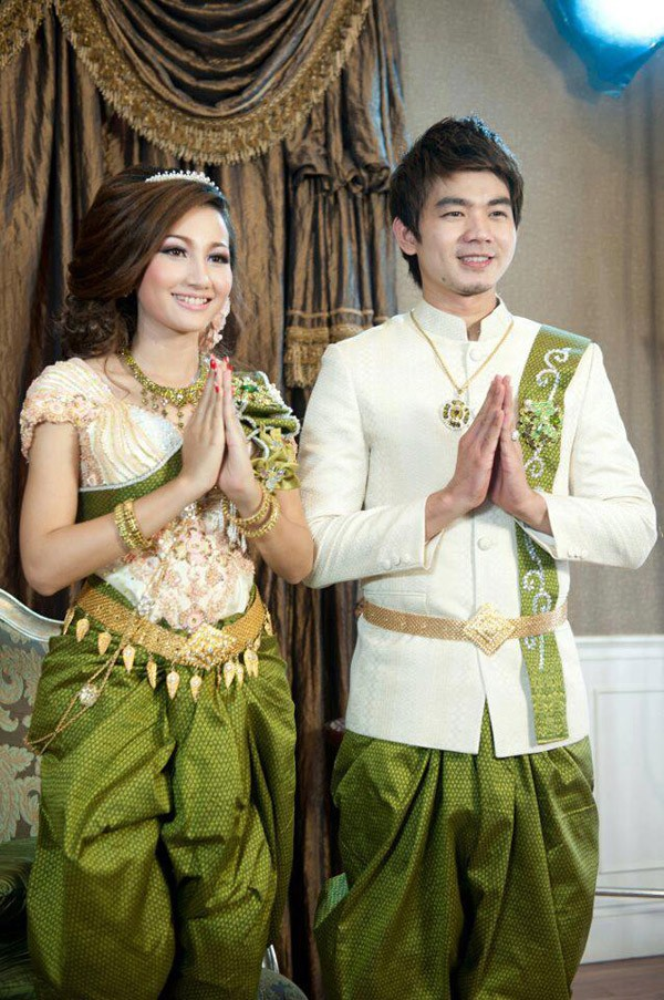 Best 25+ Cambodian wedding dress ideas on Pinterest | Khmer ...